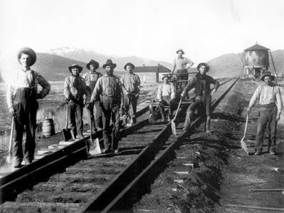 Vintage-RR-Workers